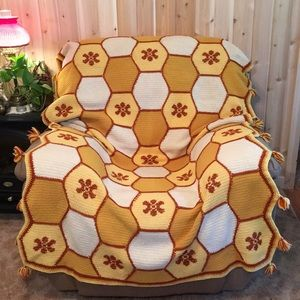 "Honeycomb Heavy Crochet Throw 50""x77"" Handcrafted"